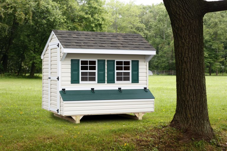 backyard chicken coops with vinyl siding
