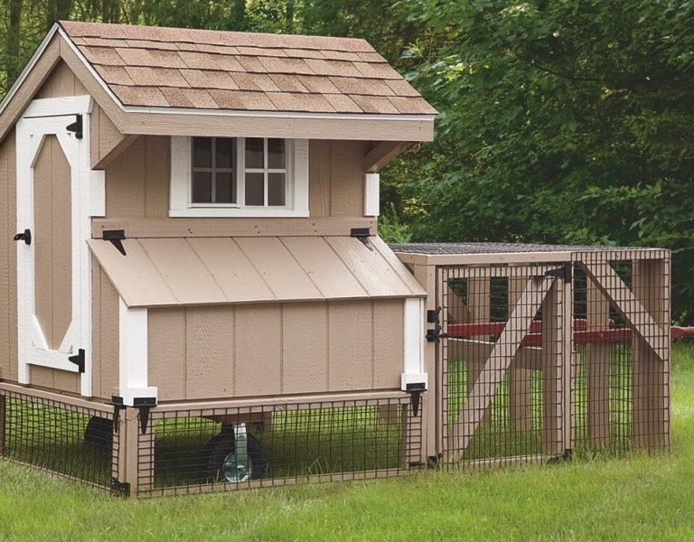 chicken coop tractor Buckskin Q34T Front View