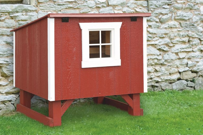 small chicken coops Red L34 Front View